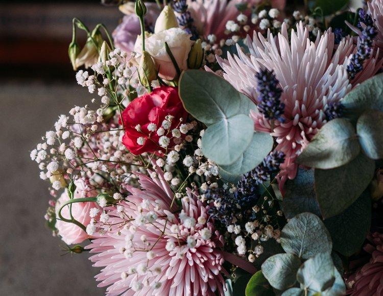 Coronas y arreglos florales
